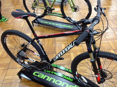 cannondale show1.JPG